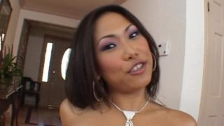 Good Having A Look Japanese Sweetheart Veronica Lynn Will Get Jaws Poked Through A Ginormous Man Meat