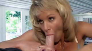 Ash-blonde Sweetie Will Get Dirty Facial Cumshot