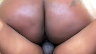 Curvaceous Dark-hued Bbw Polishes On A Chisel