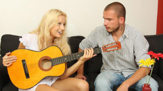 Guitar Frolicking Bro Nails His Gf